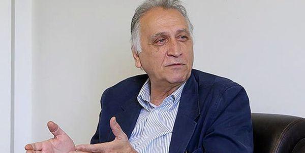 احمد نجفی: خواندن قرآن، آرامم میکند