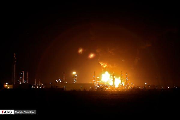 آتشسوزی در پالایشگاه تهران +تصاویر