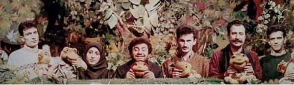 زمانی که خسرو احمدی عروسک گردان بود + عکس