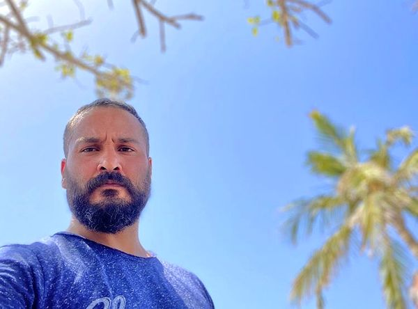 سلفی میلاد کی مرام در یک روز گرم تابستانی + عکس
