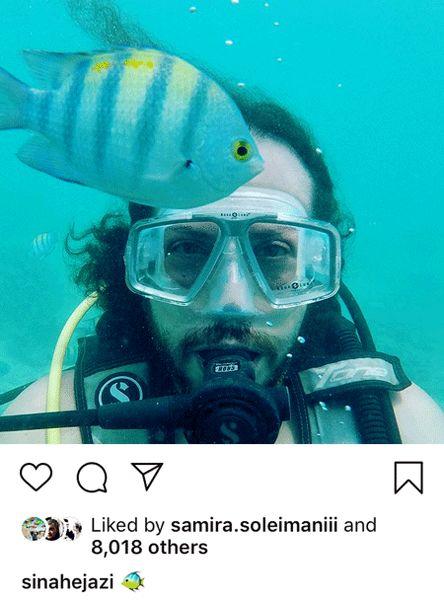 سلفی آقای خواننده در منزل ماهی ها