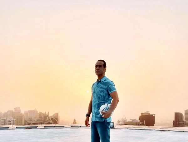 علی کریمی در دبی + عکس