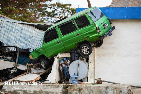 شمار قربانیان زلزله و سونامی اندونزی به ۲۰۰۲ نفر رسید