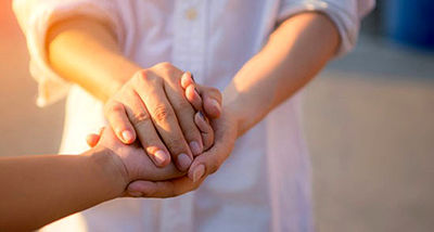 جزئیات و تکنیکهای لمس کردن یکدیگر در یک رابطه عاطفی