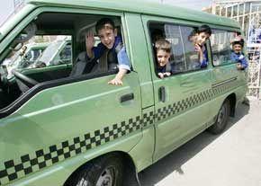 نگرانی های والدین برطرف می شود/ سوار کردن مسافر اضافی در سرویس مدارس ممنوع می شود