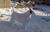 مجسمههای برفی در یک روستا