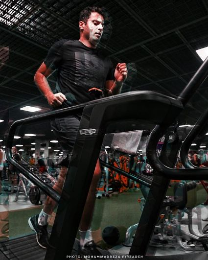 عکس علی ضیا در حال ورزش کردن