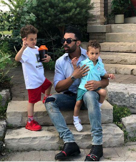 همسر روناک یونسی و پسرانش در خارج از کشور+عکس