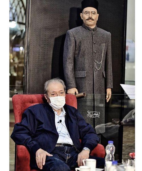 استاد علی نصیریان ومجسمه اش + عکس