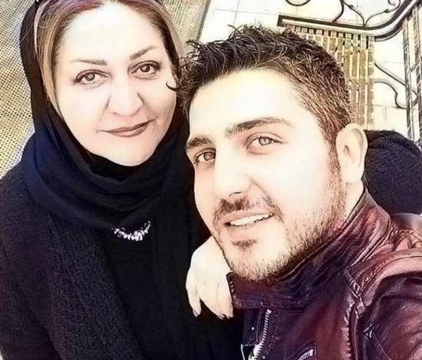 محمدرضا غفاری و مادرش + عکس