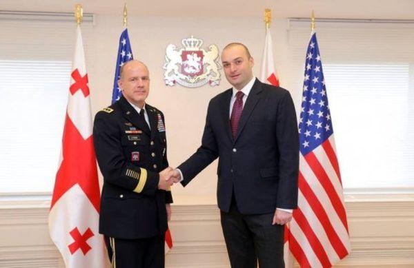 آمریکا فرودگاه نظامی در گرجستان احداث می کند