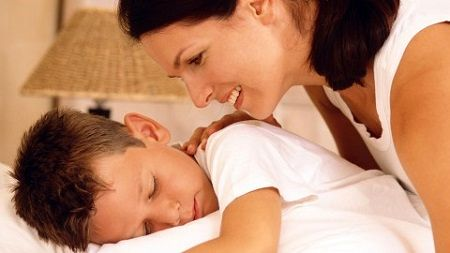 راه های بیدار کردن کودکان از خواب برای مدرسه !