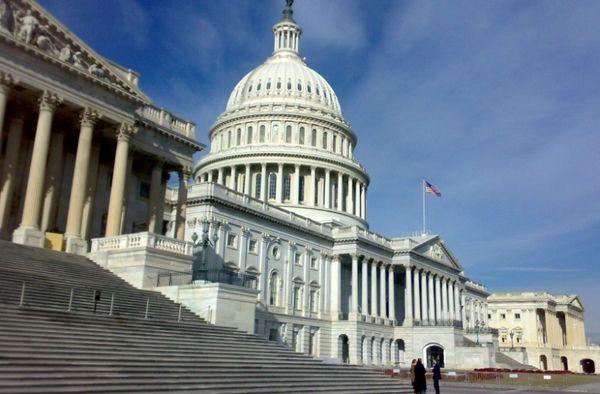 سناتورهای آمریکا لغو مذاکرات هستهای با ریاض را خواستار شدند