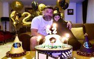 جشن تولد علی انصاریان در کنار مادرش+عکس