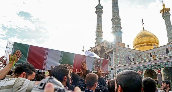 پیکر مطهر «حجتالاسلام دهقانی» از شهدای مدافع حرم تشییع شد