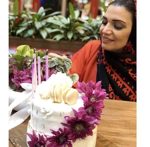 تولد خانم بازیگر معروف در یک کافه + عکس