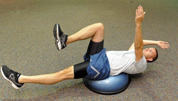 آموزش ورزش در خانه با حرکت دد باگ