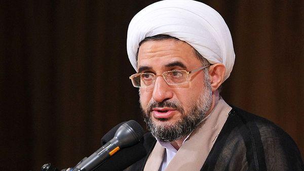 ایران اساس و محور وحدت در جهان اسلام است