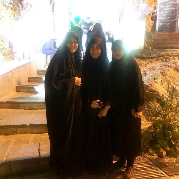 خانم مجری مهمان کهف الشهدا+عکس