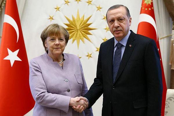 اردوغان و مرکل بر حفظ تمامیت ارضی سوریه تاکید کردند