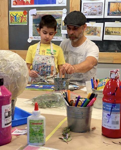 نقاشی کردن پیمان معادی با پسرش + عکس