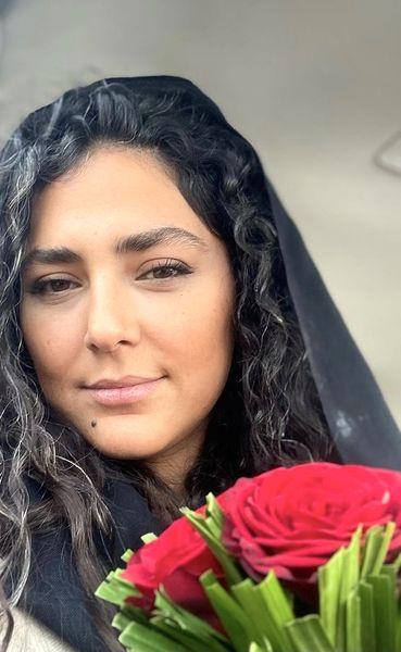دسته گل زیبا هدی زین العابدین + عکس