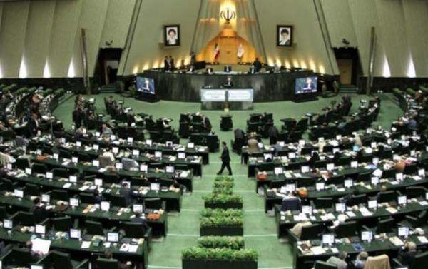 نمایندگان برای ادامه حصر سران فتنه قانع شدند