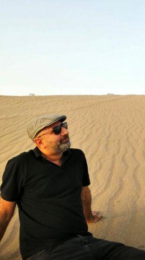 مجری معروف در دل کویر زیبا + عکس