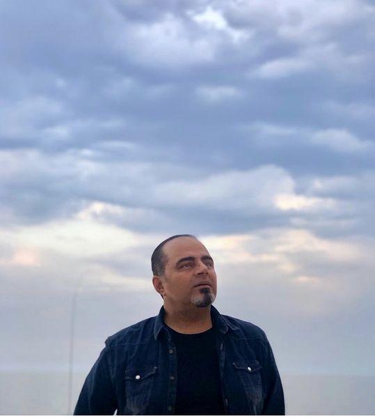 بازیگر معروف زیر آسمان شهر + عکس