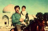عکس کودکی بازیگر «آنام» بر روی اسب