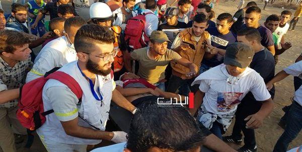 شهادت یک پزشک فلسطینی بر اثر پرتاب بمب صوتی
