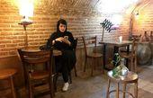 خلوت خانم کارگردان در کافه زیر زمینی+عکس