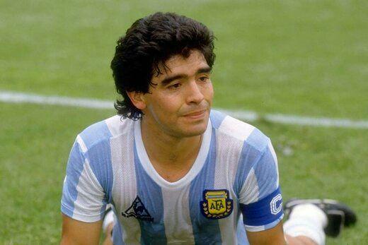 مارادونا شناسنامه فوتبال است