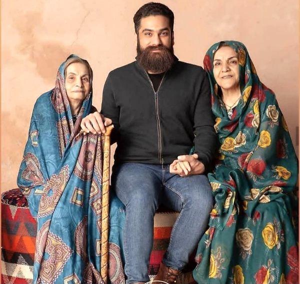 علی زندوکیلی و مادر و مادربزرگش + عکس
