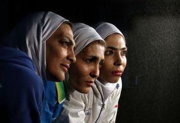 پای خواهران منصوریان به لندن رسید!