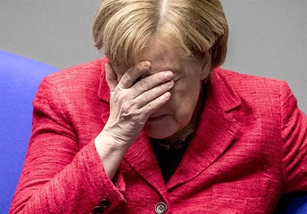 حزب سوسیال دموکرات، مرکل را تهدید کرد