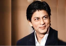 نظرخواهی شاهرخ خان از هوادارانش/عکس