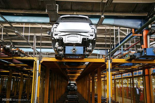 انتقاد از نفوذ برخی دستگاههای اجرایی به خودروسازیها