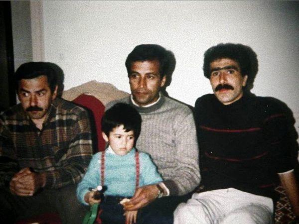 جوانی فرامرز قریبیان در کنار پدر و پسر بازیگر مشهور + عکس