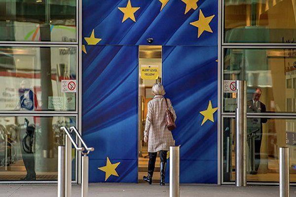 شرکت های اروپایی آزاد هستند که در ایران فعالیت کنند یا نه