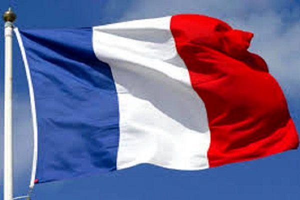 پارلمان فرانسه مشارکت پاریس در حمله به سوریه را بررسی میکند