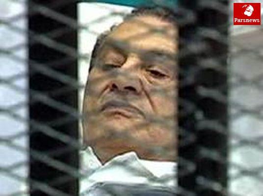 انتقال دیکتاتور مصر به بیمارستان طره