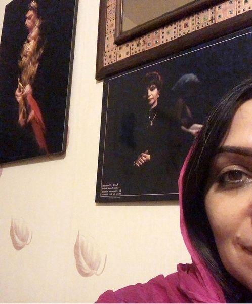 الهامپاوهنژاد در گوشه اش از خانه اش + عکس