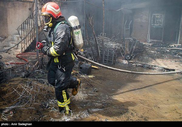 آتش سوزی یک سوله در محدوده میدان هرندی تهران