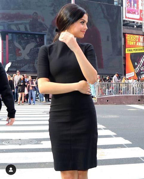 تیپ سلنا گومز در خیابان+عکس