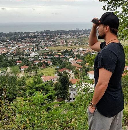 سفر تابستانه بازیگر خوشتیپ به شمال کشور+عکس
