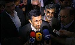 احمدینژاد به صورت زنده با مردم سخن میگوید