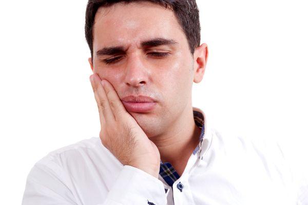 ۹ روش درمانی دندان درد شبانه