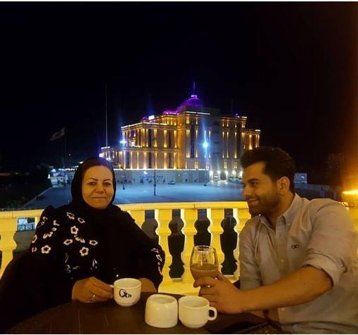 گردش رضا بهرام با عشق زندگی اش+عکس