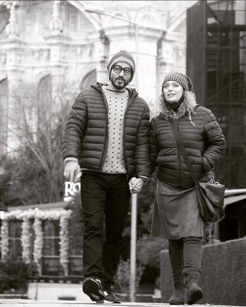 نگین معتضدی و و همسرش در حال قدم زدن + عکس